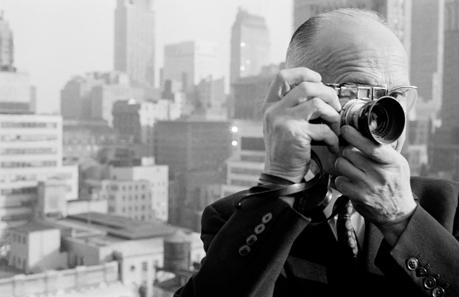 Très Henri Cartier-Bresson • Photographer Profile • Magnum Photos BM19