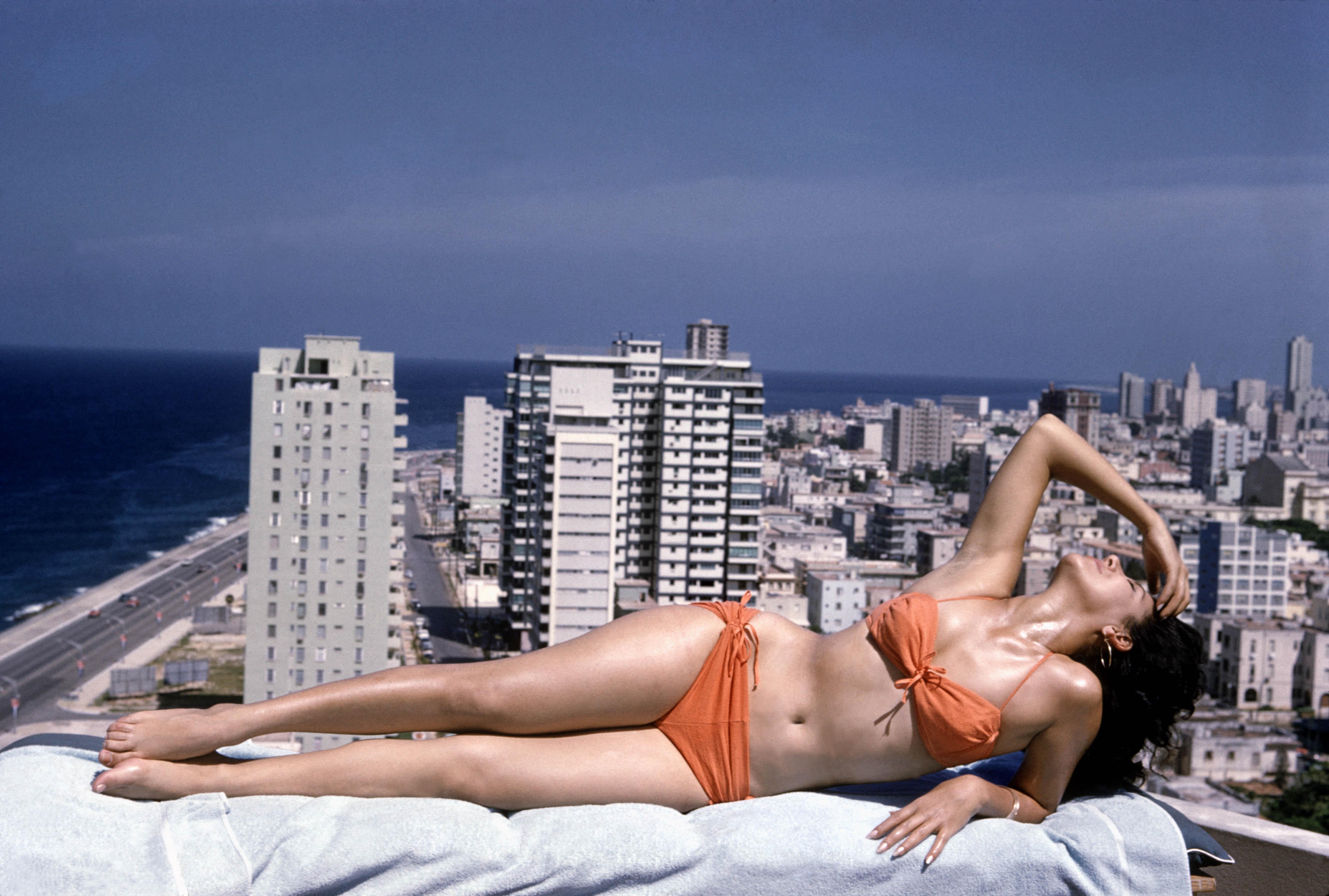 70 Magnum Photographed By Bikini At The Photographers KJc13FuTl