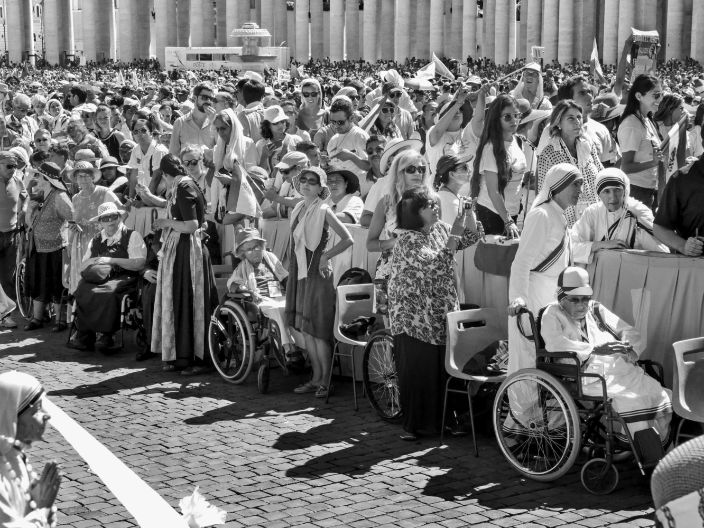 Photo from Magnum Photos website: VATICAN September 4th, 2016. Mother Teresa's canonization. © Raghu Rai / Magnum Photos