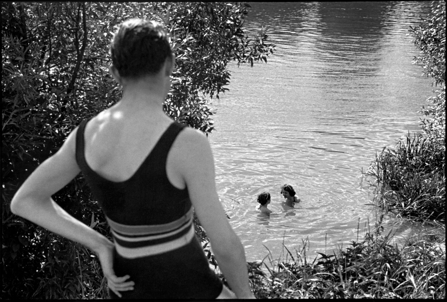 En Vacances : The First Paid French Holidays • Henri Cartier-Bresson • Magnum Photos
