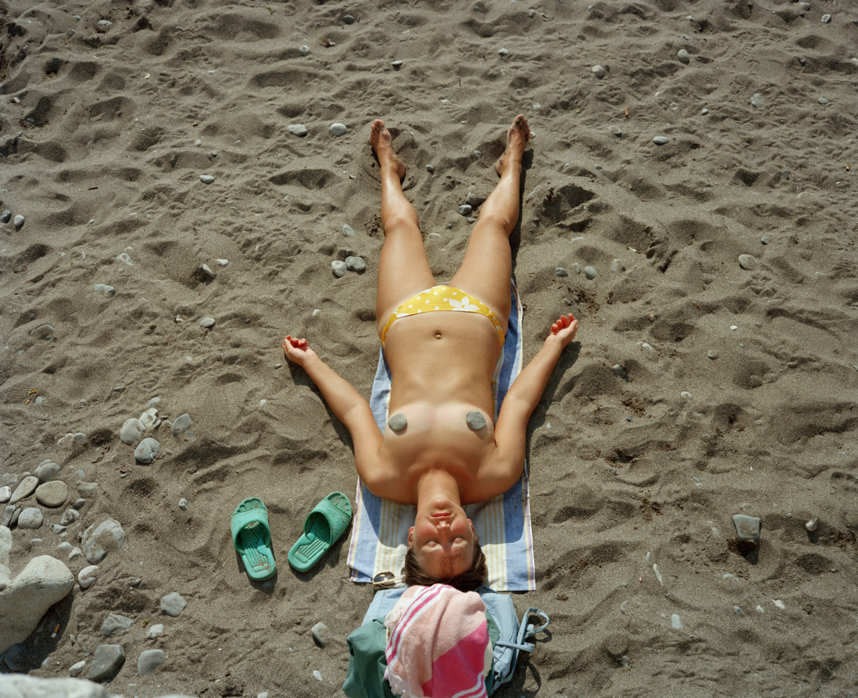 Bikini Flashing and Nude Sunbathing Party Girls on Vacation. - YouPorn